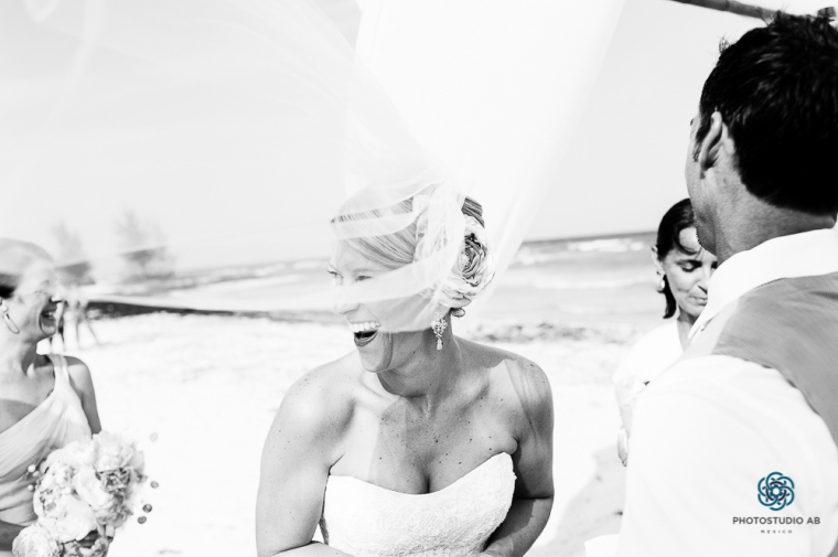 wedding photojournalim Playa del carmen