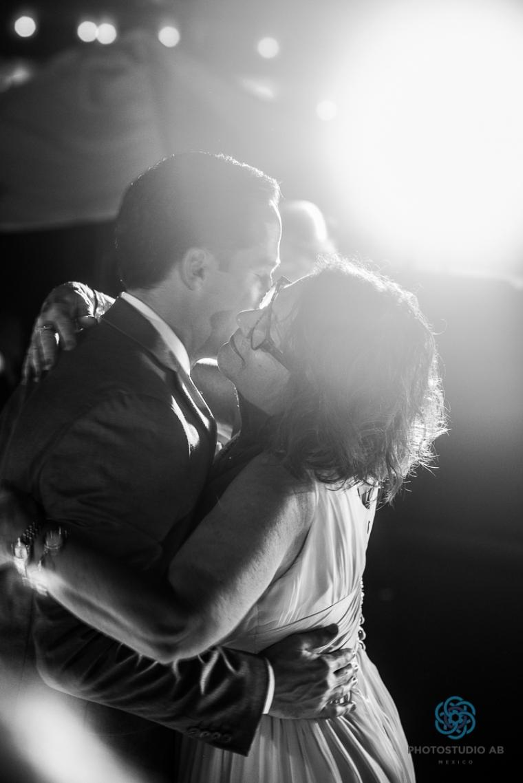 WeddingphotoMaromabeach025