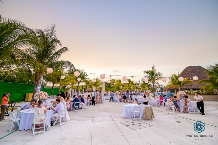 weddingphotographymoonpalaceCancun44