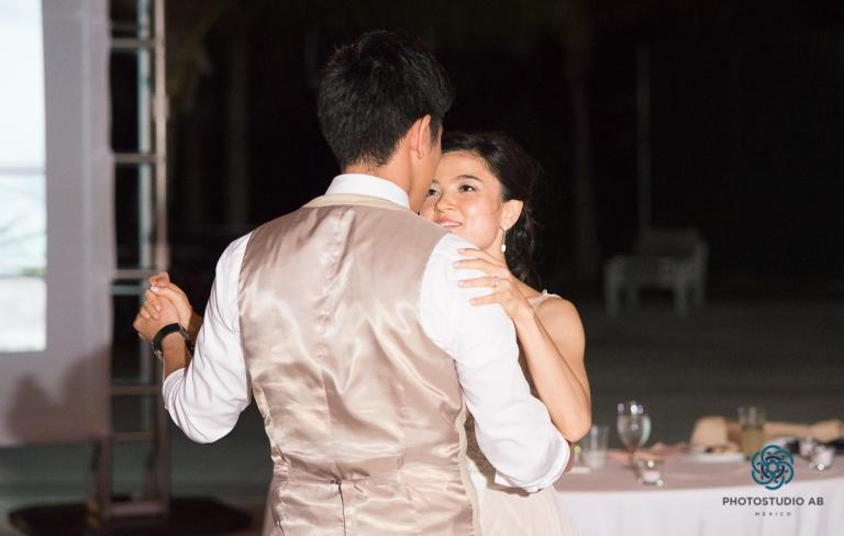 weddingphotographymoonpalaceCancun52