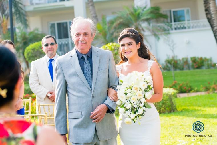 Weddingphotographyplayadelcarmen015