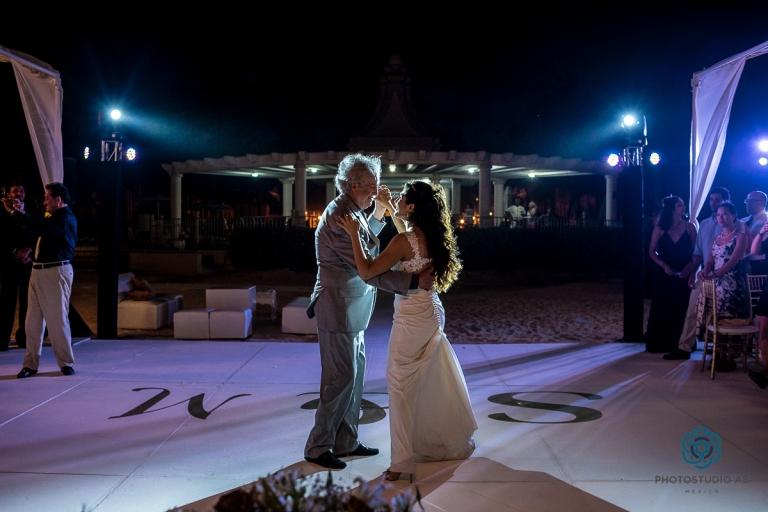 Weddingphotographyplayadelcarmen030